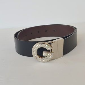 G by guess. Reverseble belt.
